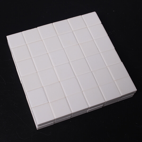 选择合适的环境粘贴耐磨陶瓷片